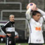 Mauro Cezar avalia desempenho do Corinthians em Dérbi: 'Bom resultado, mas sem progresso'