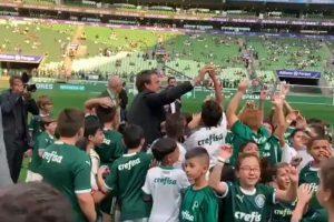 Confronto entre as torcidas do Corinthians e do Palmeiras deixa um morto