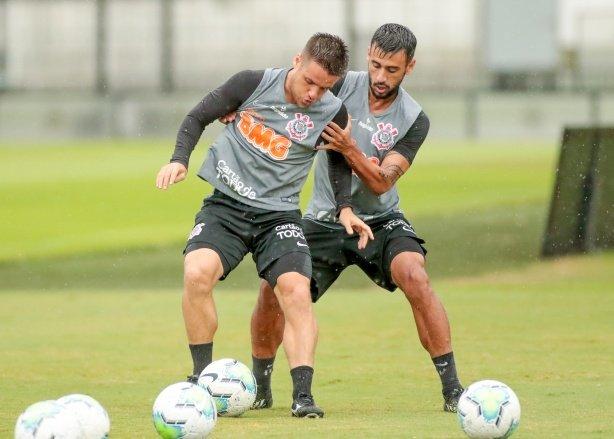 Fiel dá pitacos para escalação do Corinthians no duelo contra o Flamengo; veja sugestões