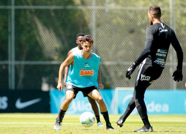 Com menos jovens, Corinthians segue preparação para duelo com o Internacional; veja provável time