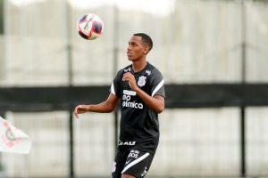 Técnico do Sub-17 recorda primeiro treino de Cauê na base do Corinthians e admite: 'Impressionou'