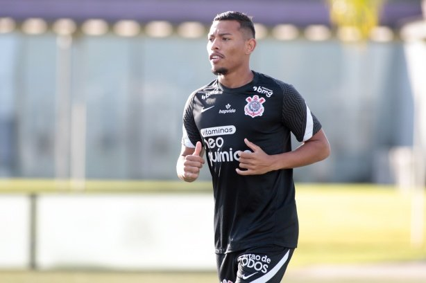 Em fase final de recuperação, Ruan Oliveira comemora três anos de estreia como profissional