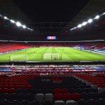 Adepto cai de bancada no estádio de Wembley e está em estado grave
