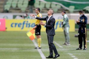 Caio Ribeiro vê empate como positivo para o Corinthians e destaca evolução em trabalho de Sylvinho