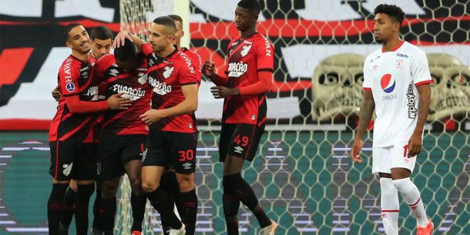 Athletico-PR goleia e está nas quartas da Copa Sul-Americana